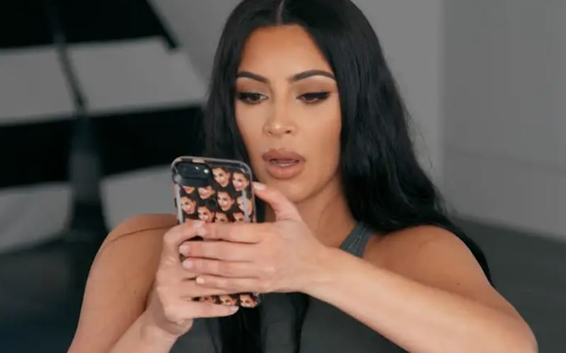 Kim-Kardashian-on-the-phone