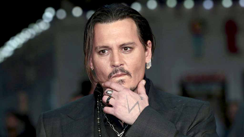 """Actor Johnny Depp arrives for the British premiere of the film """"Black Mass"""" in London, Britain"""
