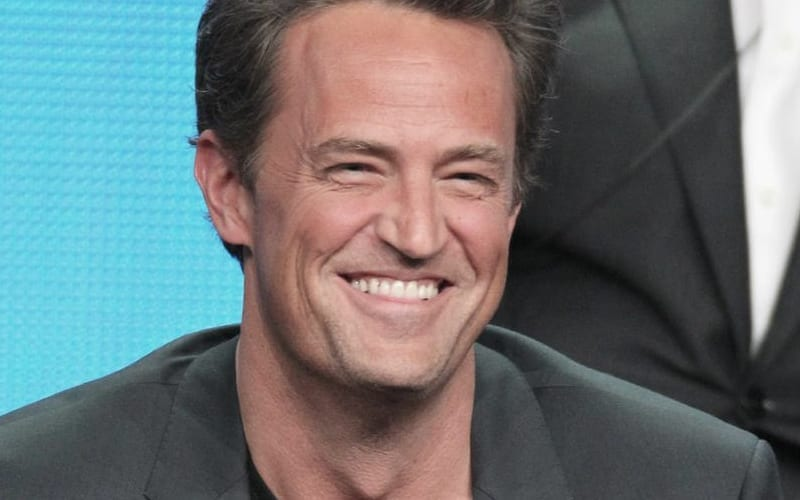 matthew-perry-laughing