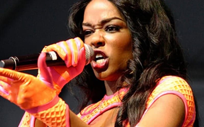 Azealia Banks Slams Kanye West For Ripping Off One Of Her Album Covers