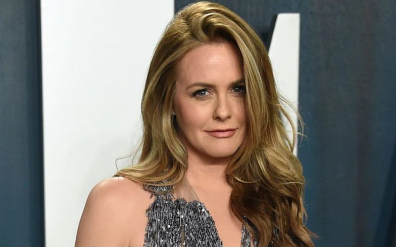 Alicia Silverstone Back In Dating Game Almost 3 Years After Divorce