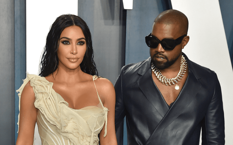 Kim Kardashian Blacks Out Her Profile Pic In Support Of Kanye West