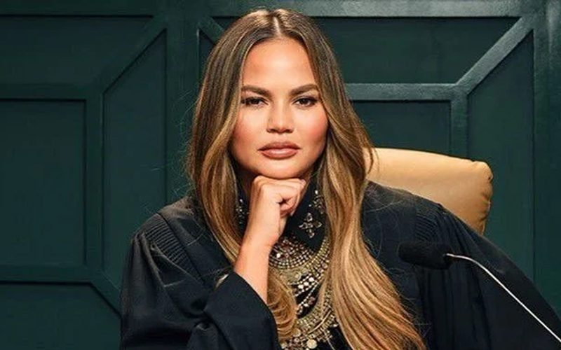 Chrissy Teigen Says Hell Was Real During Instagram Outage