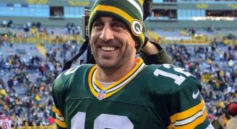 Aaron Rodgers Mocks Chicago Bears Fans In Epic Fashion