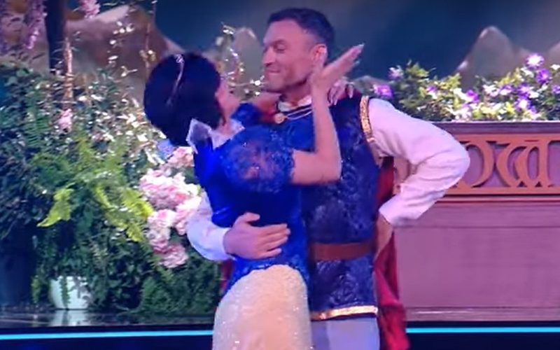 Fans Split Over Sharna Burgess & Brian Austin Green's Dancing With The Stars PDA