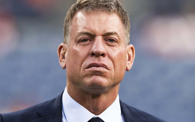 Troy Aikman's Shady Comments Cause Stir In New York Giants Locker Room